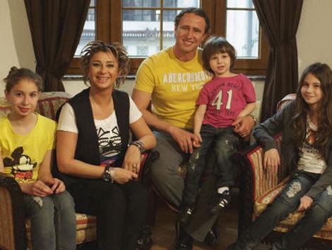 Faceti cunostinta cu TOATA familia Reghecampf!