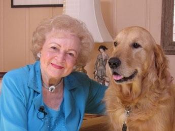 Legendara Betty White isi petrece Craciunul doar cu labradorul Pontiac