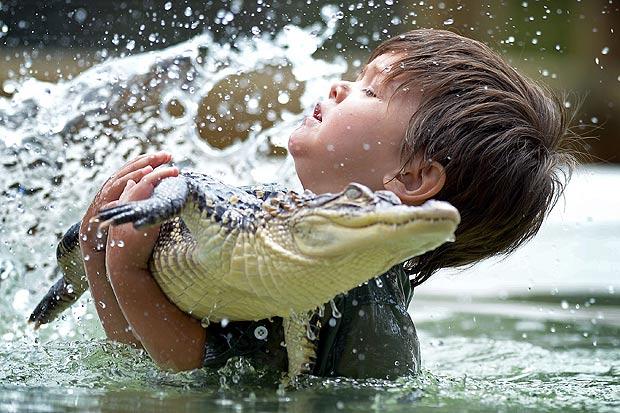 WOW Îmblânzitor de crocodili la doar 3 ani!