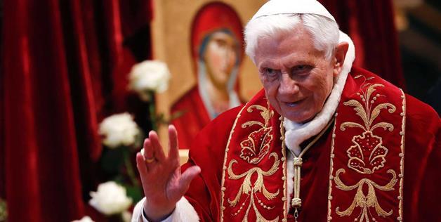 Papa Benedict XVI și iubirea lui pentru necuvântătoare