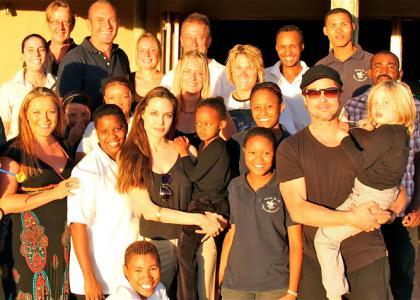 Brad și Angelina au donat 2 mil. $ animalelor sălbatice din Namibia