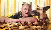 787284-pet-food-tester