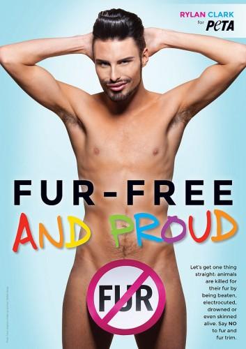 Încă un star gol goluţ în campania PETA! Vezi cine s-a lăsat pozat în pielea goală pentru a opri comercializarea hainelor de blană