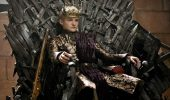 Regele Joffrey Baratheon din Game of Thrones s-a napustit asupra unui caine!