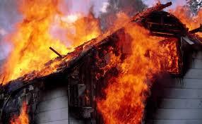 Un copil nu a vrut sa iasa fara cainele sau din casa care ardea!