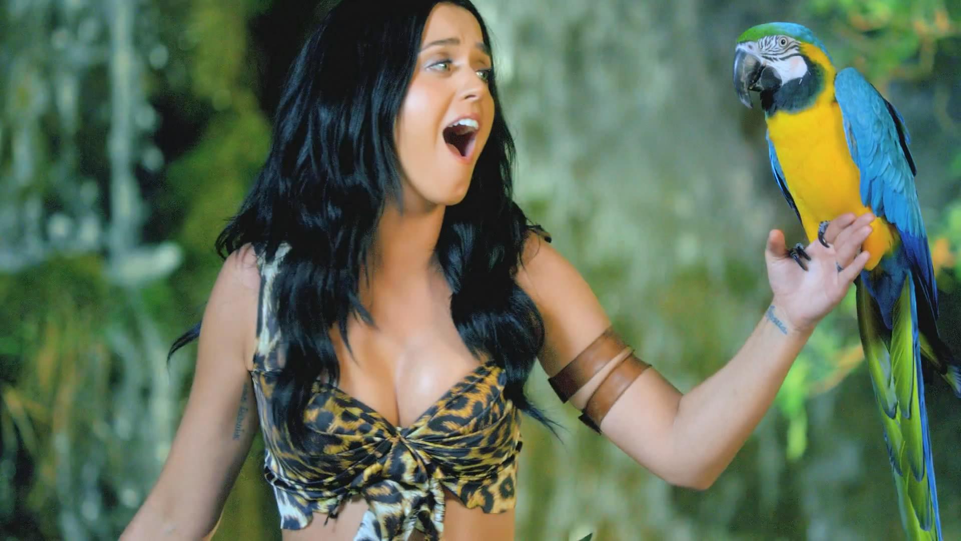 Katy-Perry-Roar-Music-Video-HD--28
