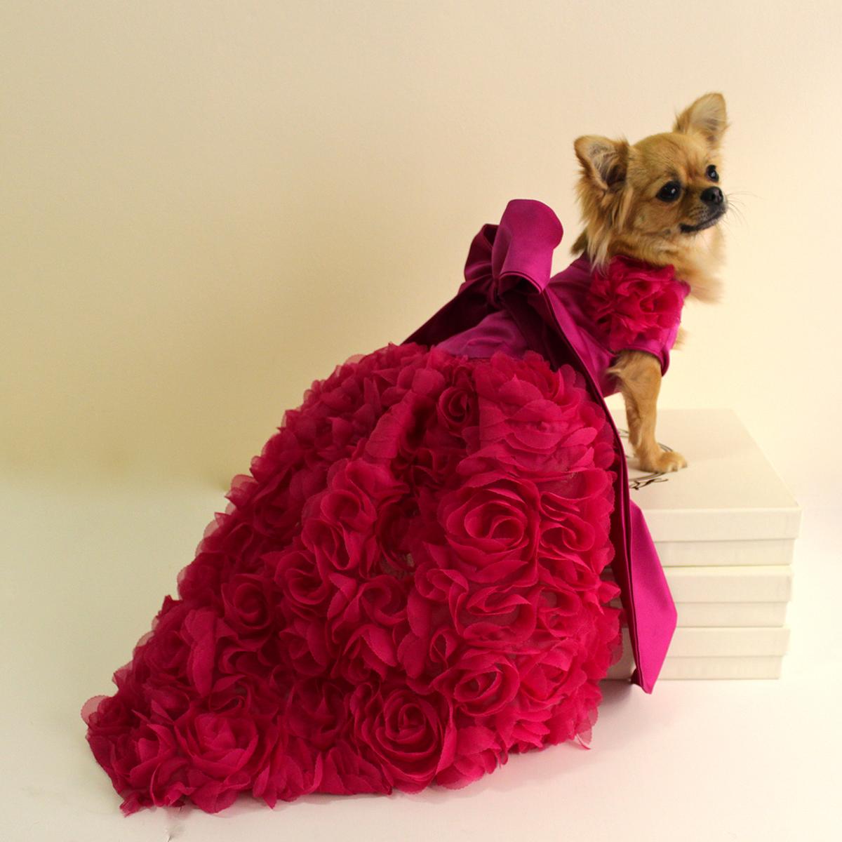 rochie Glam Penonia din saten cu broderie - 325 $