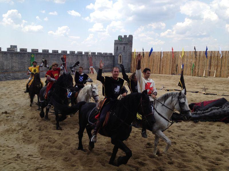 cavalerii defiland