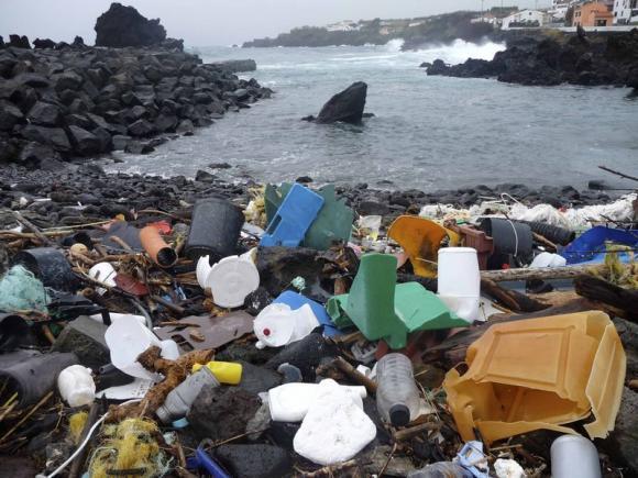 plastic gunoi