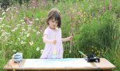 Cu adevarat impresionant: Cine o ajuta pe aceasta micuta pictorita suferinda de autism?