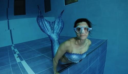 Sirena din bazin!