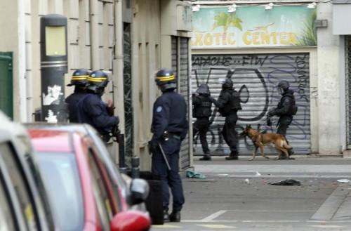 A mai plecat un EROU! Diesel, un caine politist a fost ucis in timpul asaltului de la Saint-Denis