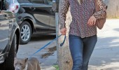 Kaley+Cuoco+Takes+Dog+Vet