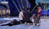 Cum s-a JUCAT un cățel cu MINȚILE a 11 oameni, care au făcut ce le-a ordonat I VIDEO