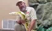 WOW! Cu siguranța nu ai mai văzut așa ceva. El este șarpele favorit al unui american. IMAGINI DE SENZAȚIE I VIDEO