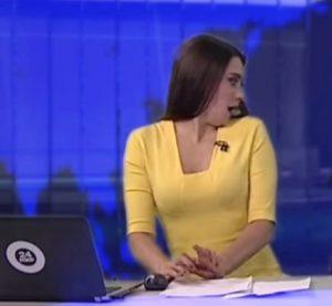 Surpriză de proporții după ce în platoul de știri a pătruns un invitat nepoftit! Prezentatoarea a fost cucerită pe loc!