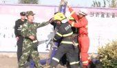 Mobilizare pentru salvarea a unui pisoi blocat într-un burlan. Internauții au rămas UIMIȚI I VIDEO