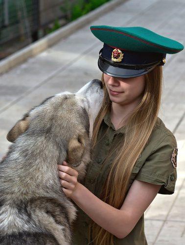 De ce se BUCURĂ câinele tău când te vede? Crezi că patrupedul te recunoaște? Uite ce spun specialiștii