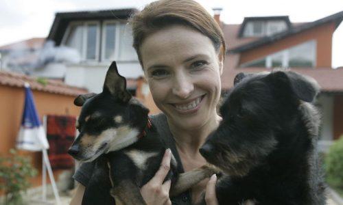 Monica Davidescu, mesaj trist după ce i-a murit cel mai bun prieten. Vezi cât de tare SUFERĂ ACTRIȚA