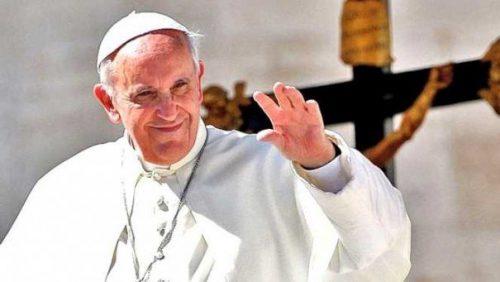 Cea mai emoționantă fotografie de la vizita Papei Francisc în România! FOTO